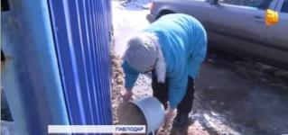 В Павлодаре уходит под воду частный сектор