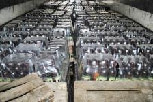Свыше 15 тысяч бутылок контрафактного вина и коньяка обнаружили полицейские