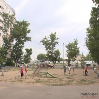 Установить современный игровой комплекс просят жители павлодарских многоэтажек