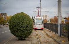 Жительница Павлодара пожаловалась на подорожавший в выходные проезд на трамвае