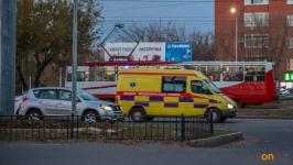 В Павлодаре водитель на автомойке сбил женщину