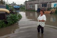 Дороги и дворы подтопило в Павлодаре из-за проливного дождя