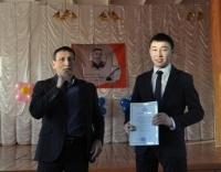 Павлодарский школьник выучил наизусть 63 произведения Абая Кунанбаева