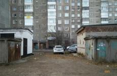 В Павлодаре жители двух домов не могут договориться о месте под мусорные контейнеры