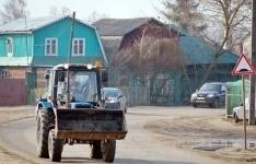 Оралман из Китая преодолел больше 1,5 тысяч километров на тракторе, чтобы поселиться в Павлодарской области