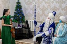 200 детей из Павлодарской области получили новогодние подарки от имени президента страны