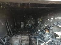 В тяжелом состоянии госпитализирован владелец загоревшегося гаража в Павлодаре