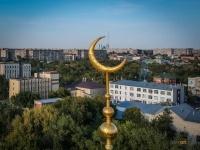 Полмиллиона тенге собрали мусульмане Павлодарской области для мамы погибшей под трамваем девочки