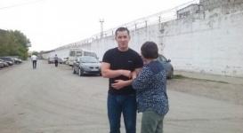 Облитый мочой полицейский вышел из тюрьмы