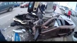 В Москве разбился всмятку Lamborghini известного спортсмена