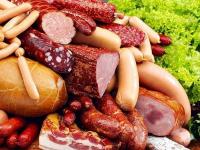 Версии появления ДНК человека в колбасе выдвинули в Минздраве РК