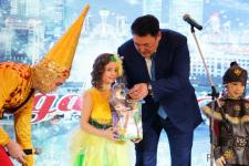 150 планшетов подарили детям на елке акима Павлодарской области