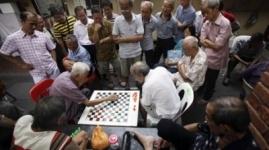 Навещать пожилых родителей в Китае обязали законом