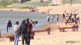 Медпункт на пляже: 15 июня в Павлодаре официально откроется купальный сезон