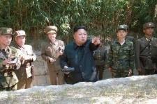 Южная Корея сообщила о направившихся к ее границе десантных судах КНДР