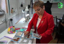 Рукотворная сказка: павлодарка мастерит развивающие игрушки и книжки из фетра