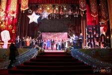 В Аксу выбрали «Двух звезд» среди поющих работников Евразийской Группы
