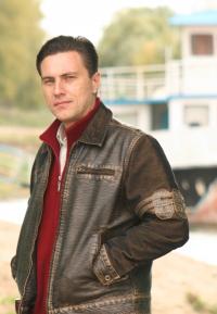 Alex Dezhinov