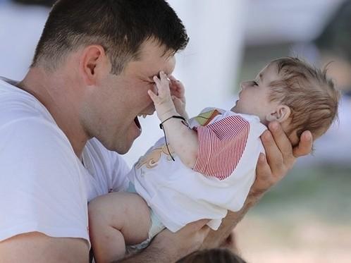 Фотография - Развивать институт отцовства в Казахстане поручил Президент
